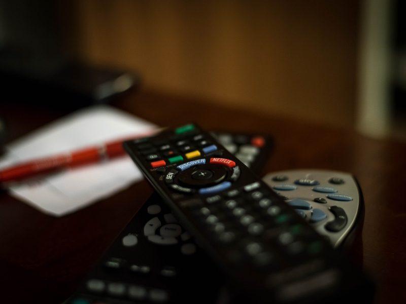 Teismo prašo sutramdyti nelegalų televizijos platintoją