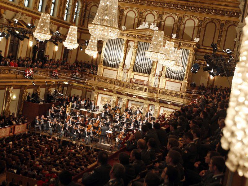 Į Naujuosius – su Europos laukiamiausiu Vienos filharmonijos orkestro koncertu