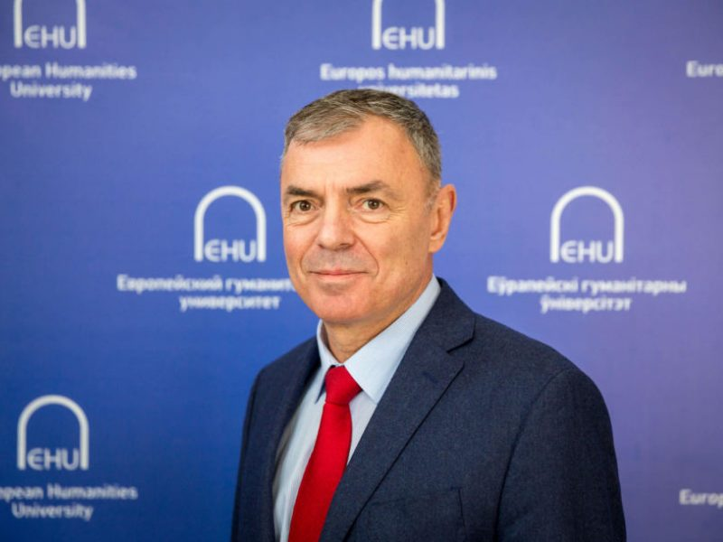 Neigiamai įvertintam EHU gelbėjimo ratą metė Seimas