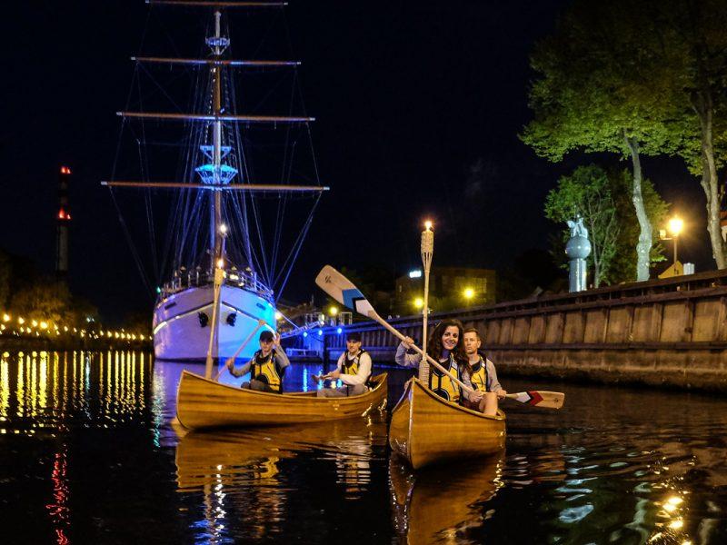 Naktiniai turai kanojomis – pasaulyje analogų neturinti pramoga Klaipėdoje