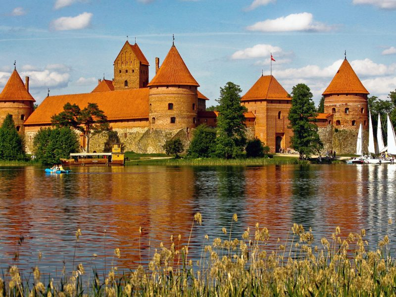 Paveldosaugos pertvarka: ar savivaldybė galės nuspręsti nugriauti Trakų pilį?