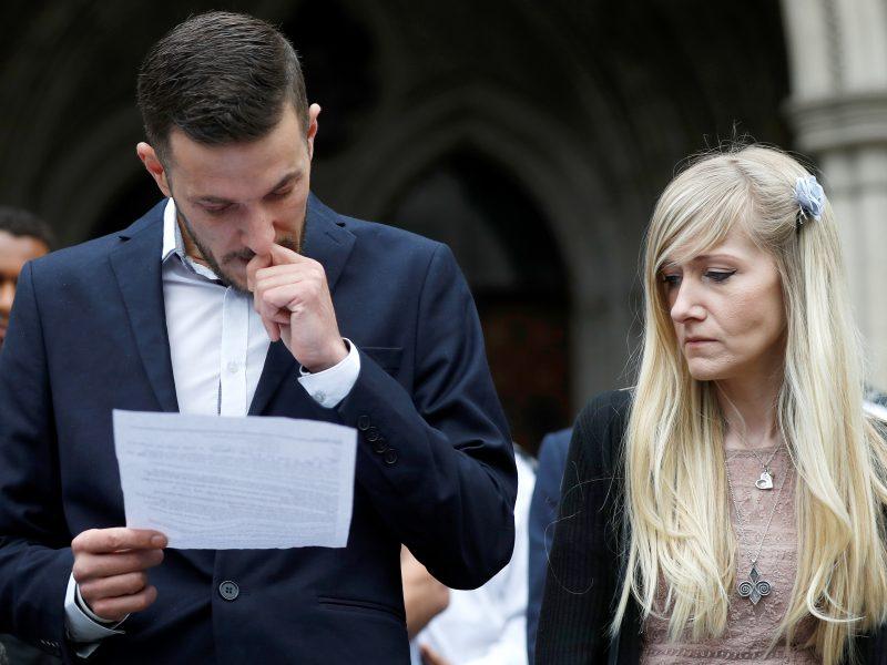 Mirtinai sergančio kūdikio C. Gardo tėvai nebekovos dėl jo gyvybės