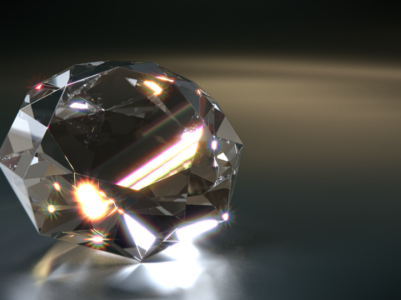 L. DiCaprio išgarsinti sintetiniai deimantai: ar gali pranokti natūralius?