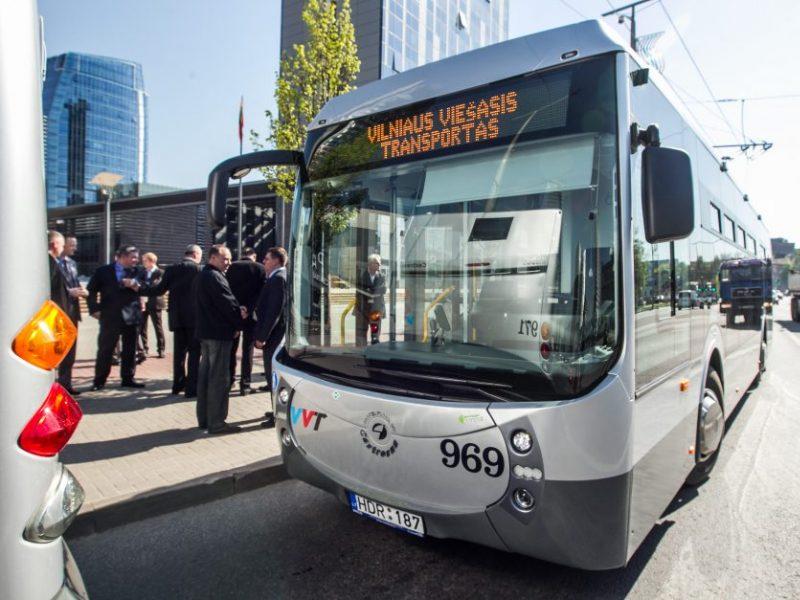 Įsigijusiems mėnesinius traukinių bilietus, Vilniuje – nemokamas transportas