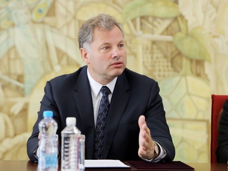 Iš pareigų pasitraukė Klaipėdos universiteto rektorius