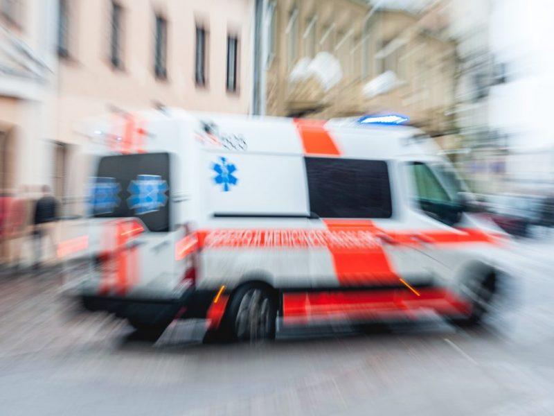 Perėjoje moterį partrenkęs vairuotojas pasišalino iš įvykio vietos