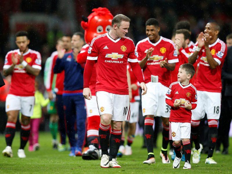 """""""Manchester United"""" praėjusiais finansiniais metais gavo rekordinių pajamų"""