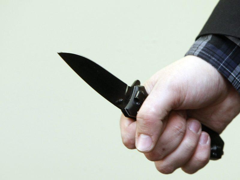 Kaišiadoryse per išgertuves kilusį konfliktą peiliu sužalotas vyras