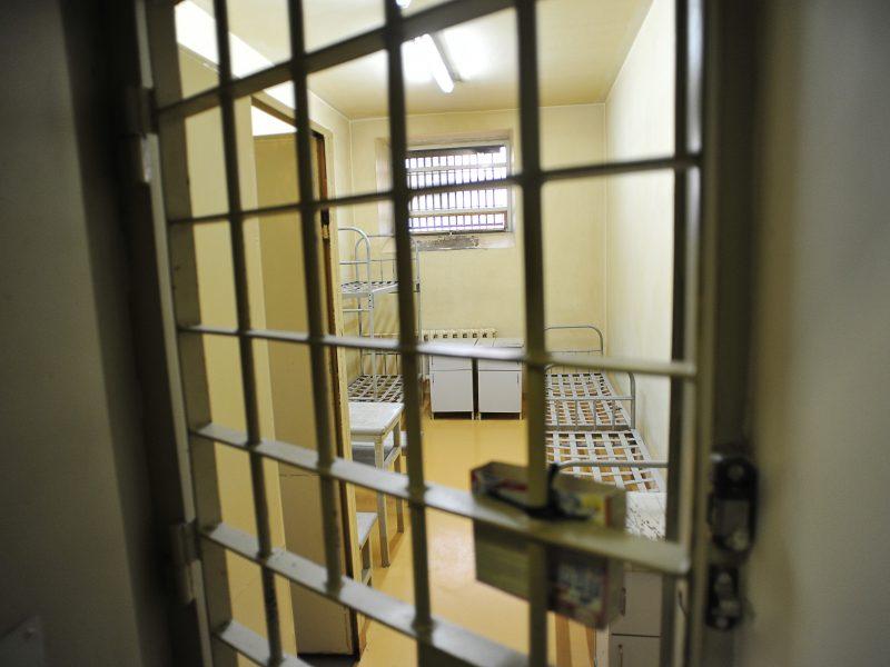 Vyriausybė pristatys piktnaudžiavimo atvejus pataisos namuose