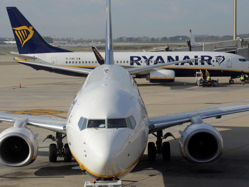 """""""Ryanair"""" grasina britams brangesnėmis atostogomis"""