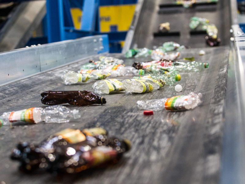 Ministras: dėl nesąžiningų atliekų tvarkytojų kenčia ir verslas, ir visuomenė