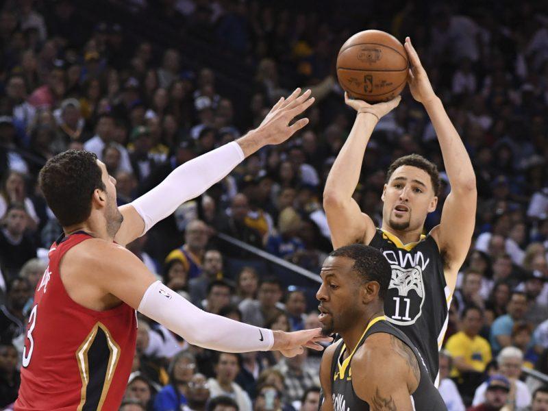 """NBA čempionai pralaimėjo """"Pelicans"""" krepšininkams"""