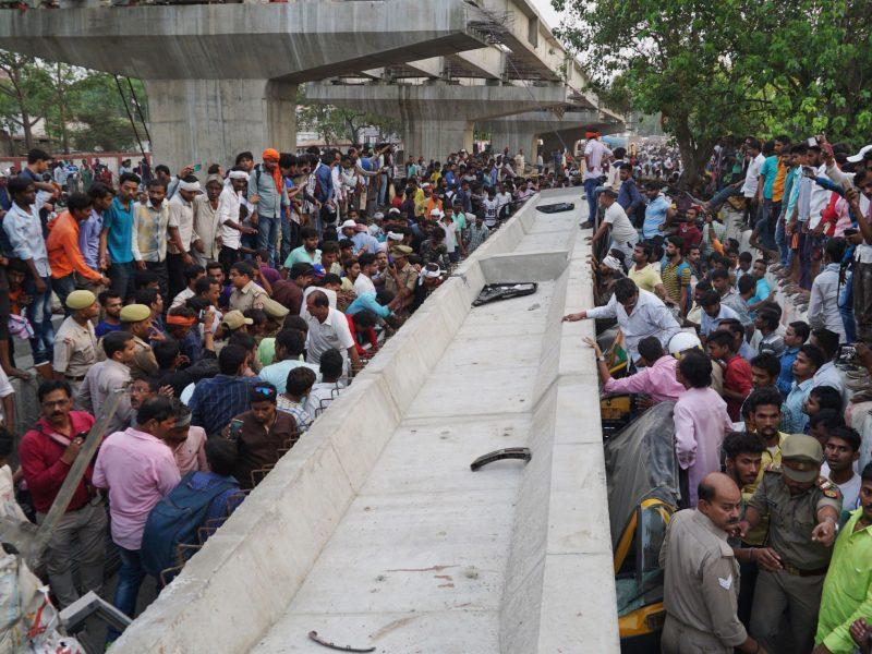 Indijoje sugriuvus viadukui žuvo mažiausiai 18 žmonių
