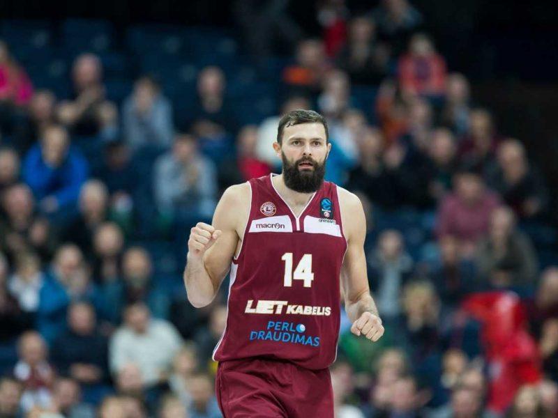 """""""Lietkabelio"""" krepšininkai iškopė į Karaliaus Mindaugo taurės turnyro pusfinalį"""