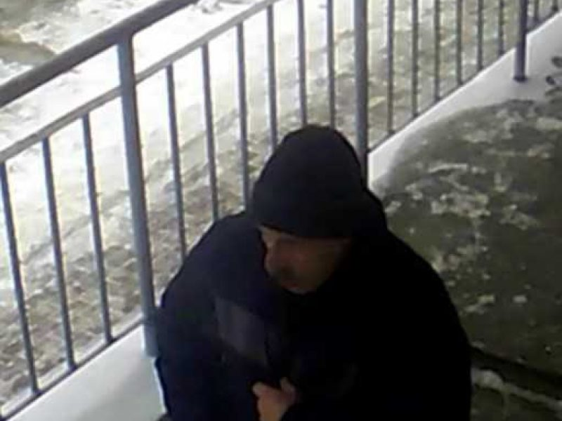 Policijos pareigūnai prašo atpažinti vagyste įtariamą vyrą