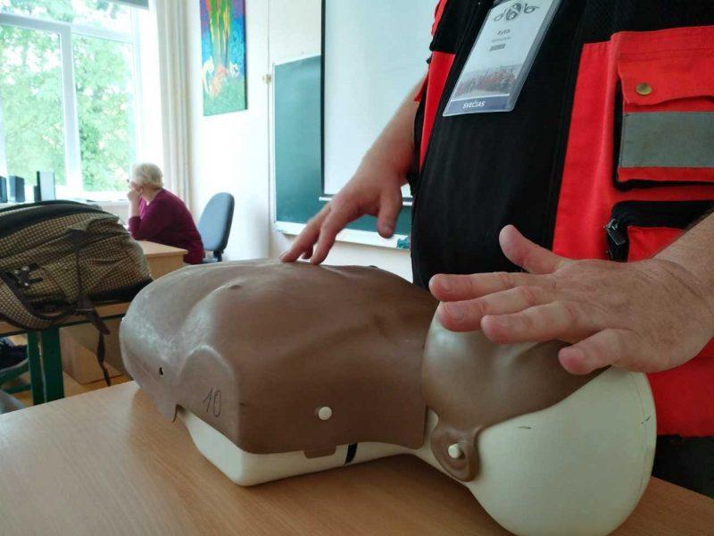 Greitosios medicinos pagalbos žaidynės prasidėjo – medikų žinių sėmėsi kurorto vaikai