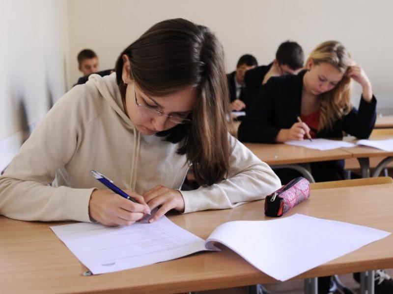 Lietuvių kalbos mokyklinį egzaminą išlaikė per 90 proc. abiturientų