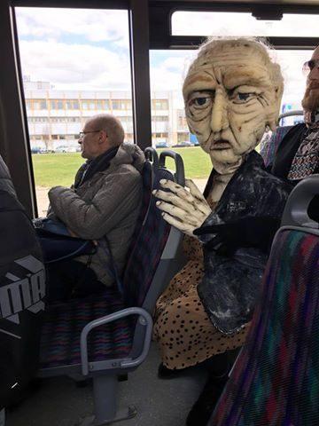Klaipėdiečius autobuse linksmino Valerija