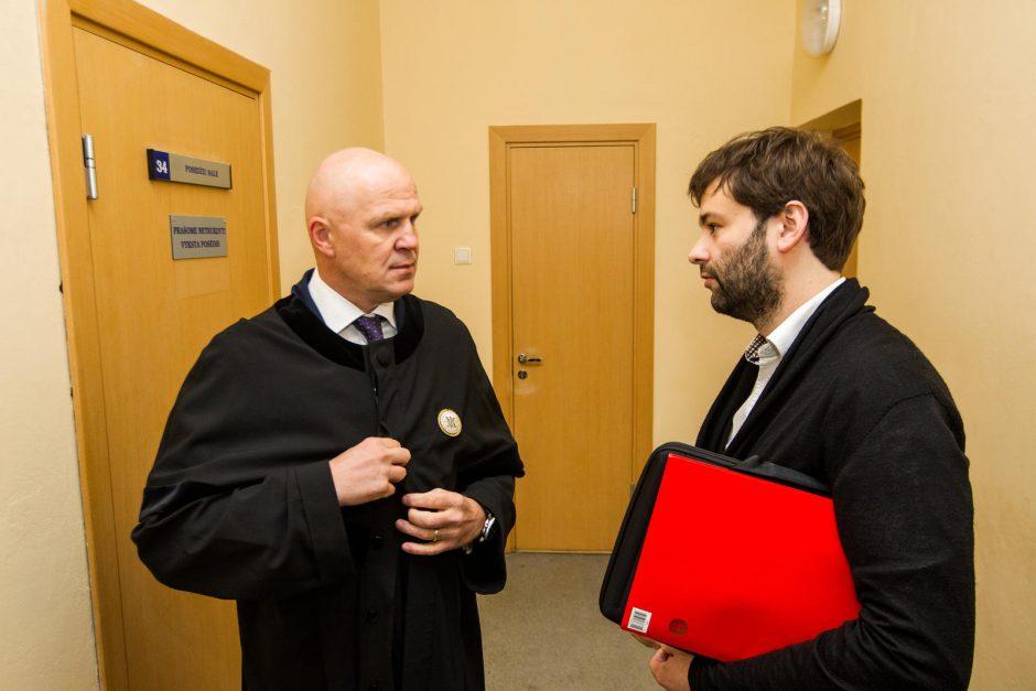 Studentų pusėn stojo garsus advokatas