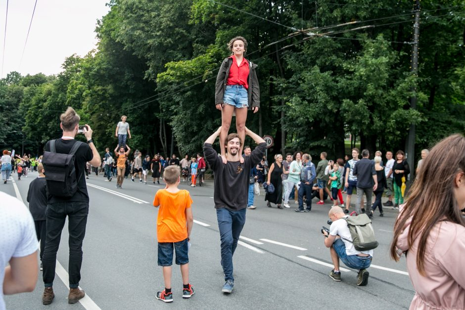 Netikėtumų festivalyje šturmuotas Parodos kalnas