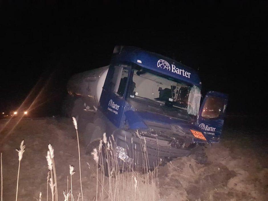 """""""Via Baltica"""" kelyje – sunkiasvorių automobilių kaktomuša"""
