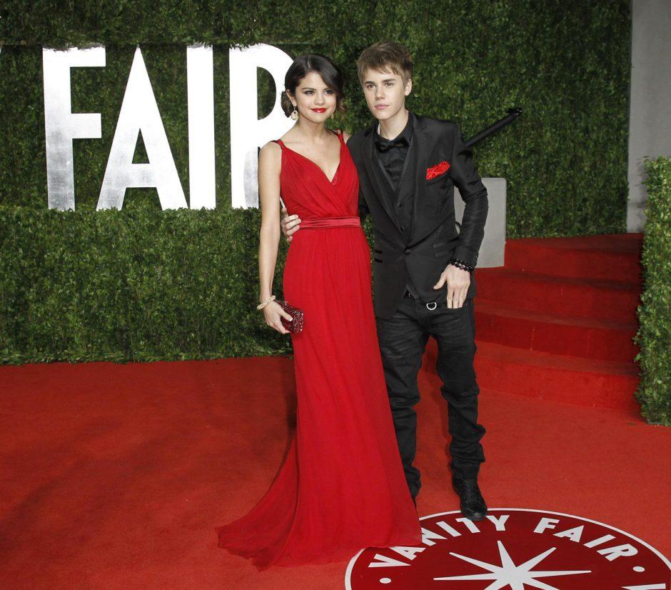Naujoje S. Gomez dainoje J. Bieberis jai prisipažįsta meilėje?