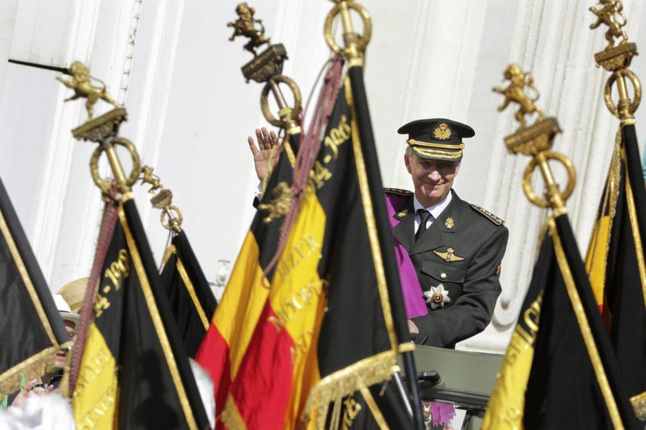 Į susiskaldžiusios Belgijos sostą įžengė naujas Karalius