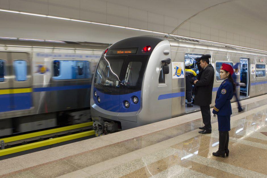 Almatos valdininkai įpareigoti važinėti viešuoju transportu