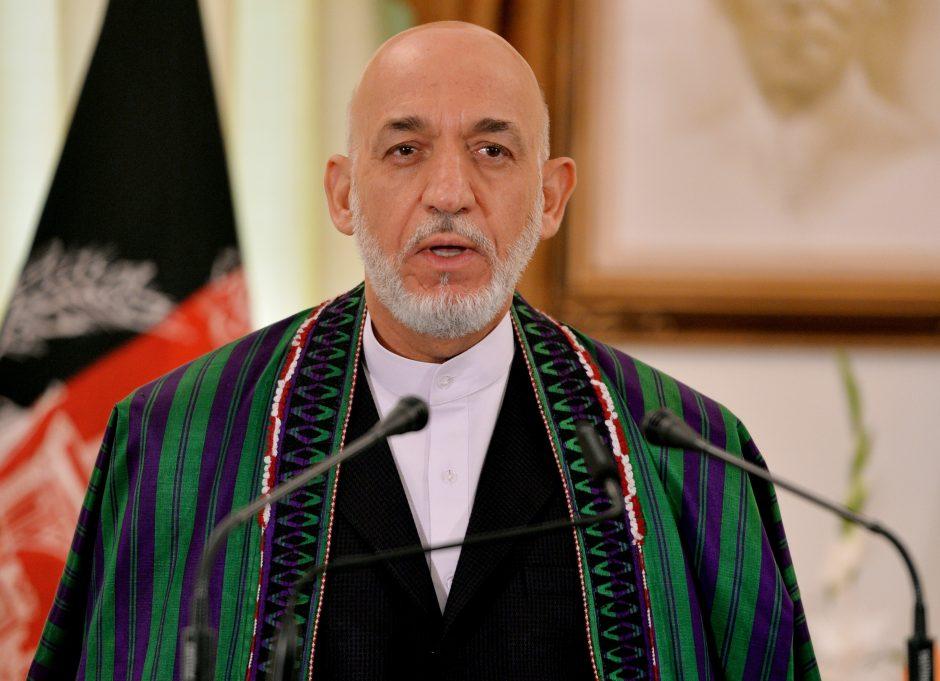 H.Karzai pabrėžia Pakistano pagalbos taikos derybose su Talibanu būtinybę