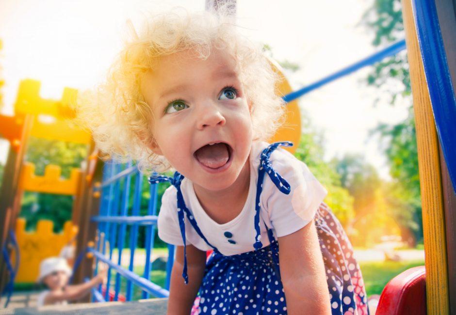 5 elgesio savybės, kurių turėtume išmokti iš vaikų