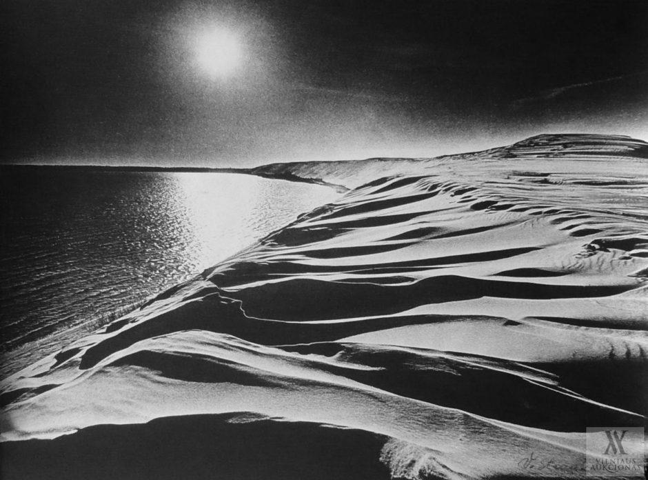 V. Strauko fotografijų vėjas, šešėliai ir muzika