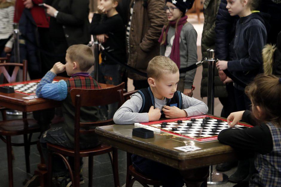 Šaškių turnyras mero taurei laimėti