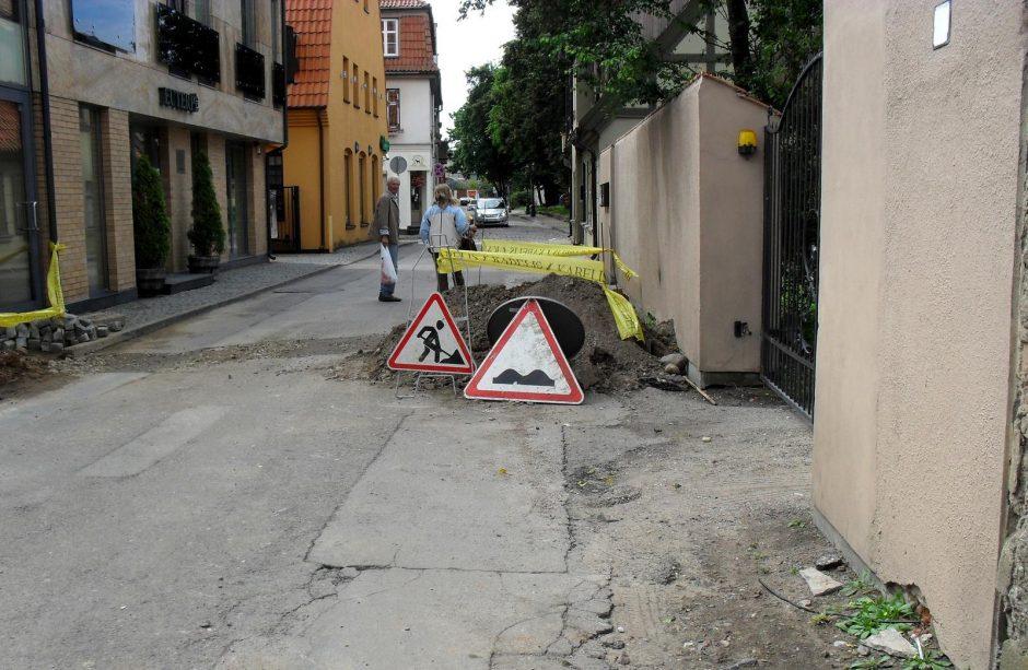 Daržų gatvėje - kliūtis vairuotojams