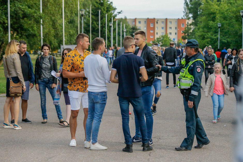 SEL sudrebino Klaipėdą: suplūdo minios gerbėjų