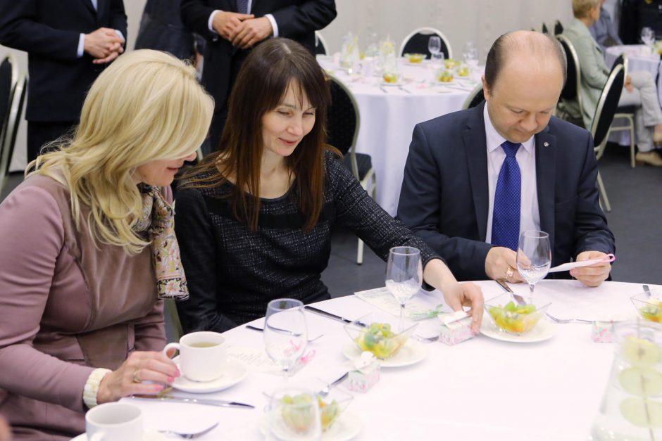 Klaipėdoje prie pusryčių stalo džiaugtasi buvimu drauge
