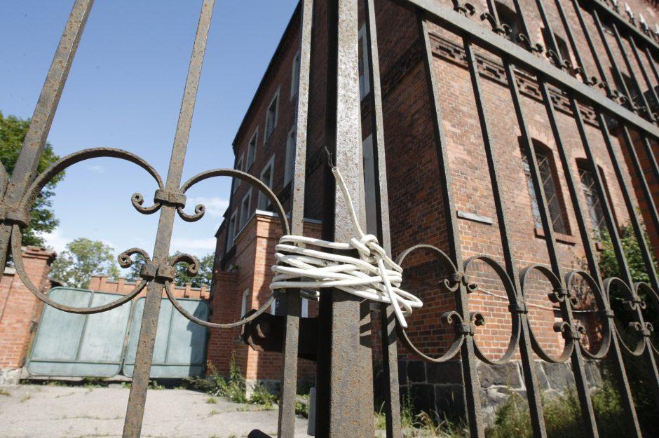 Buvusiame policijos pastate – vandalų ordos