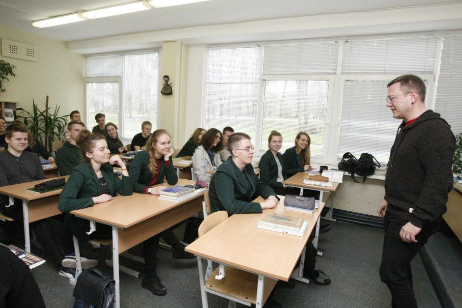 Mokiniams pasakojo apie intelektines vagystes
