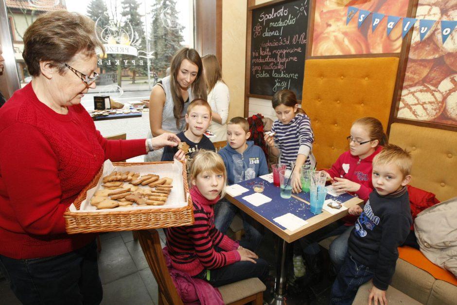Meduolius margino valstybės globojami vaikai ir įžymybės