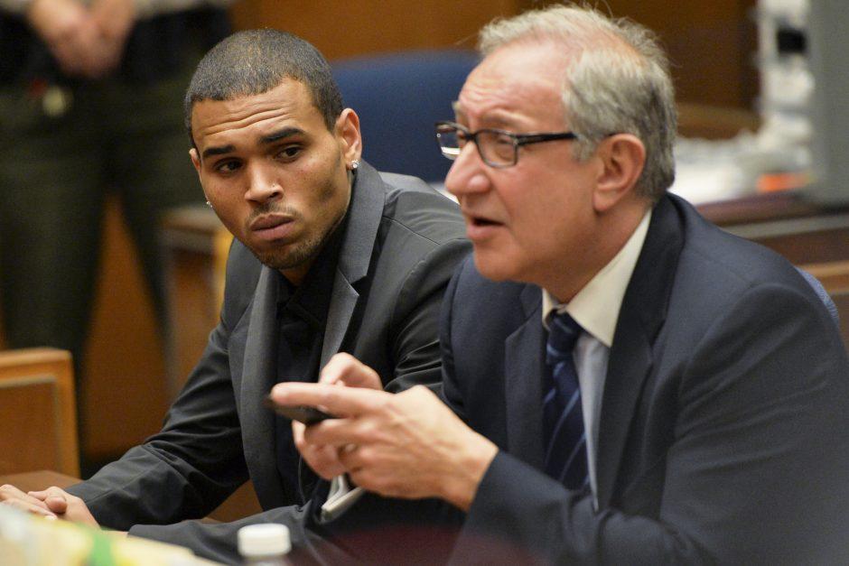 JAV dainininkui Ch. Brownui gali grėsti kalėjimas