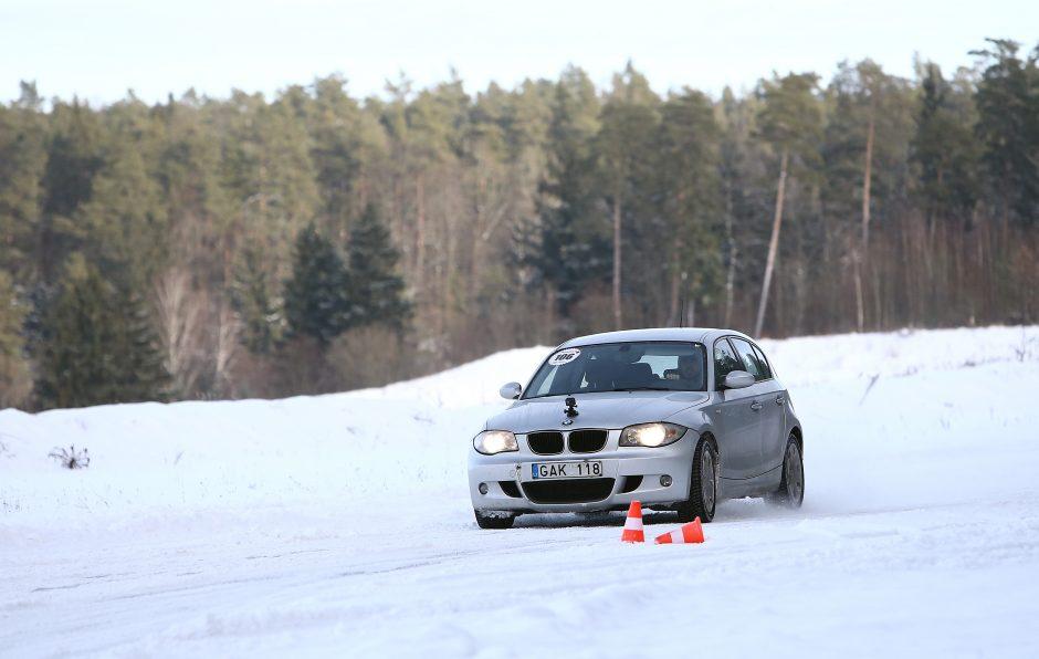 Žiemos vairavimo mokymai Nemuno žiede