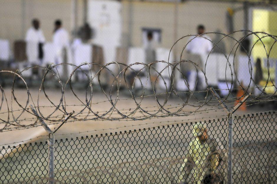 Europos Taryba ragina Lietuvą kreiptis į JAV dėl Gvantanamo kalinio