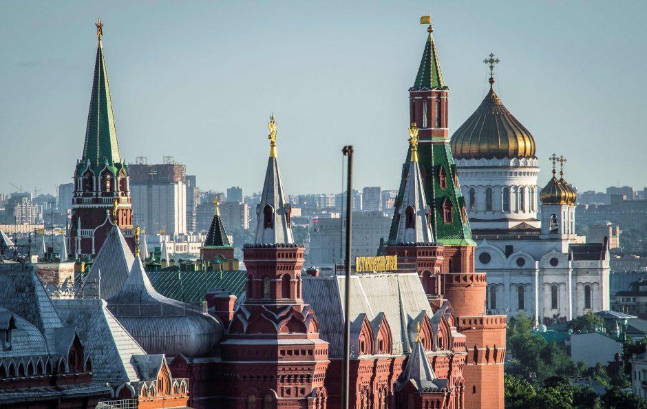 Grupė europarlamentarų siūlo griežtinti sankcijas Rusijai