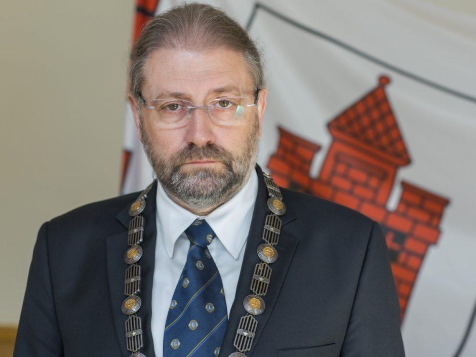 Panevėžio meras R. M. Račkauskas nuo pareigų nušalintas dar trims mėnesiams