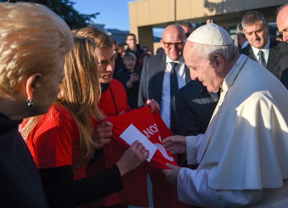 Popiežius Pranciškus atsisveikino su Lietuva