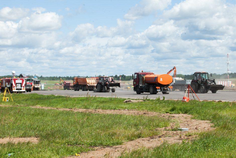 Vilniaus oro uosto takas jau rekonstruojamas