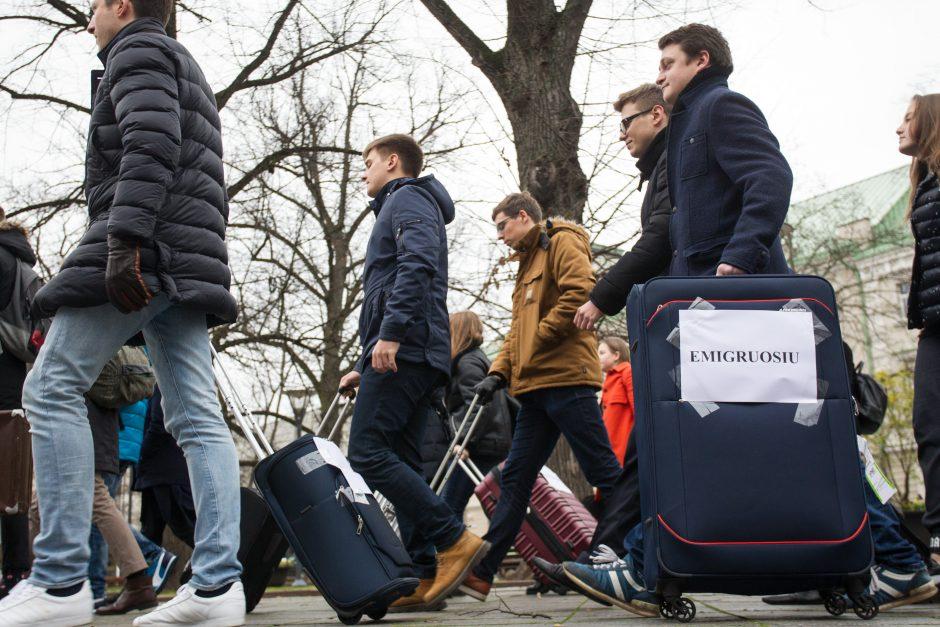 Skaičiai varo šoką: pernai iš Lietuvos emigravo 57 tūkst. gyventojų