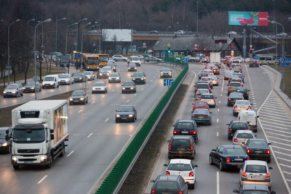 Draudikai: vilniečiams pavojingiausi į miestą atvykę 25-30 metų vairuotojai