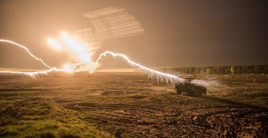 Kariai treniruosis atremti tankais ir kovos mašinomis ginkluotas pajėgas