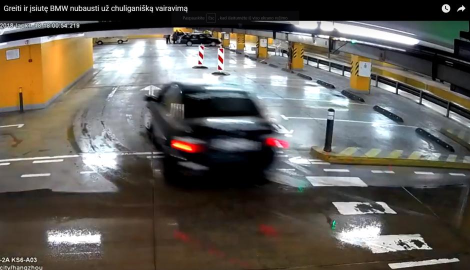 Prekybos centro aikštelėje BMW surengė lenktynes, dabar turi rimtų bėdų