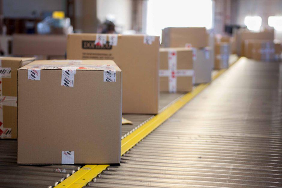 Trumpėja pašto siuntų iš užsienio kelias